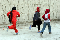 Children at play in Kabul. (UN Assistance Mission in Afghanistan) Tags: 20160802 02august2016kabul02august2016 kabul afghan afghanistan myafghanistan photo photos un unama featured featuredatinstagram featuredatunamainstagram featuredatunamanewsinstagram featuredphotos featuredphotosatunamainstagram instagram instagramfeatured news photosusedatinstagram unamanews unamanewsinstagram unamanewsinstagramfeatured used usedatinstagram unitednations flickr facebook unamaflickr unamafacebook unamatwitter unamaunmissions missions dailylife sliceoflife 2016 august health education children conflict play report unicef shown afg
