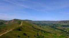 Towards Mam Tor (Lee M Wyatt) Tags: peakdistrict derbyshire countryside landscape sunshine bluesky summer june2018 mam tor edale valley hill
