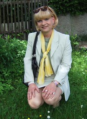 summer skirtsuit (Marie-Christine.TV) Tags: feminine transvestite lady mariechristine skirtsuit businesssuit secretary sekretärin kostüm rock sexy tgirl tgurl outdoor garden