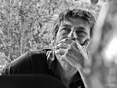 Atención (Franco D´Albao) Tags: francodalbao dalbao canonpowershotg10 portrait tito man hombre bn bw mano hand