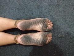 1561_673023686133760_1434582098114298882_n (paulswentkowski1983) Tags: dirty feet soles female pitch black street filthy fithy