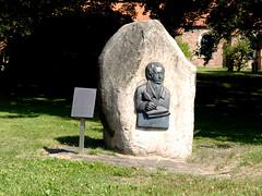 8190 Loxstedt, Denkmal (RainerV) Tags: 16071 denkmal ehrenmal free4osm geotagged loxstedt nikonp7800 rainerv niedersachsen deutschland deu