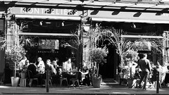 Montpeliers on a spring evening (byronv2) Tags: bruntsfield montpeliers pub bar restaurant peoplewatching candid street sunny sunlight drink drinking table seat pavement pavementcafe sitting seated blackandwhite blackwhite bw monochrome edinburgh edimbourg