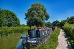 Hungerford Canal (Evoljo) Tags: kennetandavoncanal hungerford water canal manmade barge boat berkshire nikon d500