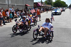 139th Annual 4th of July Parade (Adventurer Dustin Holmes) Tags: 2018 webstercounty missouri marshfieldmo marshfieldmissouri parade parades events independenceday outdoor 4thofjuly july4th annual 139th midwest peddlepower transportation recumbentbikes riding peddle humanpowered trikes recumbent fordmustang white musclecar musclecars