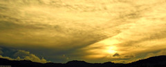 Tiempo olvidado (Blas Torillo) Tags: puebla méxico mexico puestadesol sunset atardecer paisaje landscape nubes clouds contraluz silhouette amarillo yellow belleza beauty beautiful arte fineart fineartphotography naturaleza nature fotografíaprofesional professionalphotography fotógrafosmexicanos mexicanphotographers nikon d5200 nikond5200