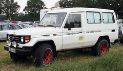 Land Cruiser (Schwanzus_Longus) Tags: bockhorn german germany japan japanese old classic vintage car vehicle 4x4 awd 4wd offroad offroader toytota land cruiser
