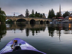 Evening paddle to Wallingford (aiddy) Tags: thames river bridge wallingford oxfordshire pub boat house church spire