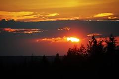 IMG_1759 (www.ilkkajukarainen.fi) Tags: sun set laland kuusamo aurinko lapland lappi taivas sky suomi finland finlande eu europa scandinavia light valo maisema ladscape travel traveling visit happy life kesä sumer 2018
