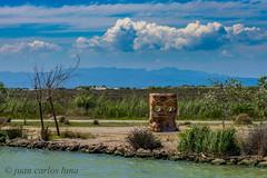 PARQUE ZIGURAT (juan carlos luna monfort) Tags: deltadelebro deltadel´ebre hdr tarragona estatua paisaje nubes nikond7200 sigma1750 calma paz tranquilidad