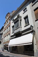 Muziekwinkel Rombaux, Brugge (Erf-goed.be) Tags: muziekwinkel rombaux onsevrauwevanmontserrat burgerhuis mallebergplaats brugge archeonet geotagged geo:lon=32276 geo:lat=512094 westvlaanderen