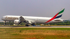 Emirates Boeing B777-300(ER) A6-EGR Bangalore (BLR/VOBL) (Aiel) Tags: emirates boeing b777 b777300er a6ekr bangalore bengaluru canon60d canon24105f4lis