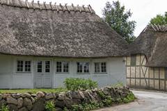 Dänemark, Fünen (dorothea knie) Tags: dänemark fünen haus house fachwerk halftimbered fenster window dorf village