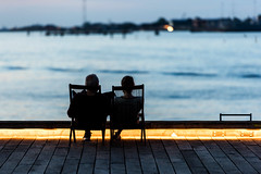 Copenhagen; Harbour (drasphotography) Tags: copenhagen kopenhagen denmark harbour couple paar silhouette water drasphotography blue hour nightshot urban romantic travelphotography reisefotografie d810