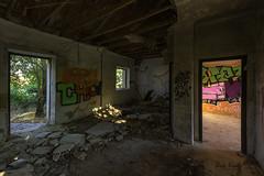 La estancia (Luis R.C.) Tags: edificios ruinas abandono pueblos nikon d610