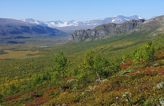 2015 / Day 8 / Autumn view of Rapadalen valley (Northern Adventures) Tags: sarek sareknationalpark nationalpark sweden sverige north deepnorth lapland lappland sápmi sapmi autumn fall september view vista overlook viewpoint rapadalen skierffe hike hiking walk walking trek trekking track tracking backpacking wandering outdoors outdoor adventure scenic scenery nature serene