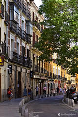 20180718 Madrid-Austrias (101) R01 (Nikobo3) Tags: europe europa españa spain madrid austrias urban street arquitectura architecture travel viajes nikon nikond610 d610 nikon8518g nikobo joségarcíacobo