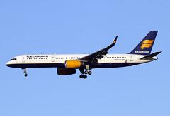 TF-ISZ (JBoulin94) Tags: tfisz icelandair boeing 757200 washington dulles international airport iad kiad usa virginia john boulin
