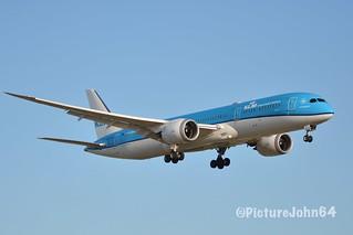 "B787-9: KL652 KLM Boeing 787-9 Dreamliner (PH-BHG) ""Mimosa"" arriving from Washington Dulles at Schiphol Amsterdam"
