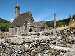 Glendalough Abbey [explored] (Christine Schmitt) Tags: 52in2018 glendalough glendaloughabbey abbey historic ruins walls ireland wicklow explore explored