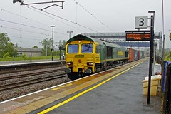 RUGELEY 280613 66533 (SIMON A W BEESTON) Tags: rugeley freightliner 66533