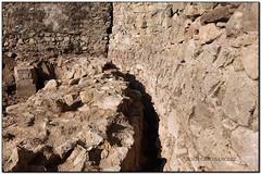 La torre de l'homenatge, Castell de Montbui, Bigues (el Vallès Oriental) (Jesús Cano Sánchez) Tags: elsenyordelsbertins fujifilm xq1 catalunya cataluña catalonia barcelonaprovincia valles vallesoriental cinglesdeberti lavalldeltenes biguesiriells bigues romanic romanico romanesque catalunyaromanica catalunyamedieval middleages castell castillo castle ruines ruinas ruins senderisme senderismo hiking