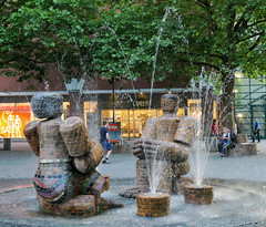 Fountain with a large couple made of bricks - Munich (Monceau) Tags: munich germany fountain brick sculpture statue man woman 365the2018edition 3652018 day167365 16jun18 167365 365picturesin2018