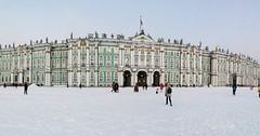 #hermitage El #palaciodeinvierno es un símbolo de #sanpetersburgo y su historia tiene origen en la época de Pedro I (Diazascona) Tags: hermitage palaciodeinvierno sanpetersburgo rusia russia alanxelmundo alanporelmundo