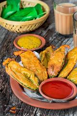 Pat Shaker Pakora   Jute Leaves Fritters (Rimli D) Tags: foodstyling foodblog foodphotography foodblogger foodpicture foodporn food comfortfood indianfood vegetarian vegan bengalifood bangladeshifood rusticfood fastfood pakoda