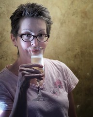 beautiful V #coollight #naturallight #portrait #portraiture #portraitphotography #champagne #schramsberg #olympus #em10markii #voightlander #nokton #40mm (vrot01) Tags: coollight naturallight portrait portraiture portraitphotography champagne schramsberg olympus em10markii voightlander nokton 40mm