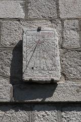 RELOJ DE SOL DEL CONVENTO DE SAN JULIÁN Y SAN ANTONIO DE LA CABRERA (PCampayo) Tags: 2018 reloj relojdesol lacabrera convento monasterio iglesia senderismo