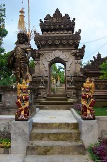 IMGP1502 Hindu Temple Entrance