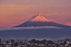 Popocatepetl 2 (Mariasme) Tags: sunrise volcano puebla mexico challengeyouwinner friendlychallenges t642 matchpointwinner gamex2 duel cy2 cyspecialchallengewinner