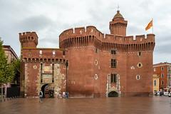 Perpignan: Castillet (Jorge Franganillo) Tags: francia france pyrénéesorientales languedocroussillon languedocrosellón castillo castle château