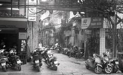 hazy alley (elffyb) Tags: elffyb voigtlander bessa bessar3a nokton nokton40 nokton40mm kodak kodakportra400 portra400 film analog streetphotography sailorstrap vietnam hanoi oldquarter
