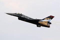 Solo Turk (joolsgriff) Tags: generaldynamics lockheedmartin f16c falcon viper 880032 turkishairforce soloturk riat 2018 royalinternationalairtattoo raffairford airshow