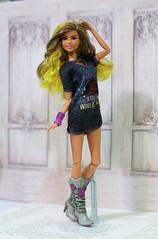 Rockstar Glam Fashionista (Annette29aag) Tags: barbie fashionista doll rockstarglam yellow