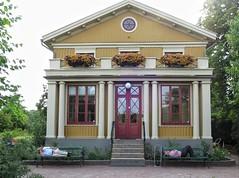 Trädgårdsföreningen, Göteborg, Sweden at 29˚C (hherskind) Tags: trees bench heat summer sleep city sweden göteborg park