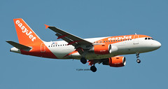 OE-LQL EASYJET A319 (john smitherman-http://canaviaaviationphotography.) Tags: oelql aviation aircraft airliner airplane airbus aeroplane airport a319 airbusa319 plane planespotting canon 1dmk4 100400l jet easyjet egkk london londongatwick gatwick gatwickairport lgw fly flight flug flughafen