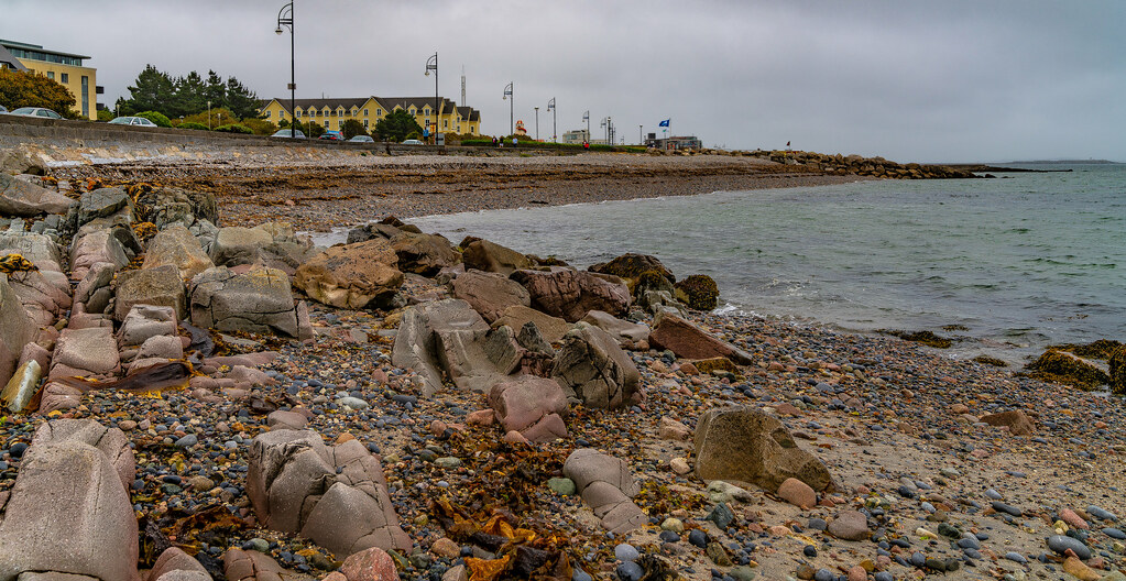 ANOTHER ATTEMPT TO PHOTOGRAPH SALTHILL IN GALWAY [ I RAINED AND RAINED AND RAINED]-141447