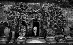 (cherco) Tags: cave cueva indonesia bali woman blackandwhite blancoynegro entrada entry escultura sculpture fantasmagorico fear terror ugly lonely alone mountain look solitario solitary silhouette silueta shadow sombra mystery misterio fe