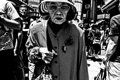 Fashionable Old.... (Victor Borst) Tags: street streetphotography streetlife reallife real realpeople asia asian asians faces face candid travel travelling trip traffic traveling asakusa tokyo blackandwhite bw mono monotone monochrome urban urbanroots urbanjungle old lady woman female fuji fujifilm xpro2 expression city cityscape citylife