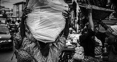 (me_myself_n_eye) Tags: nigeria balogunmarket naija marketplaces lagos