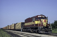 SDL's and Wood (ac1756) Tags: wisconsincentral wc wcl emd sdl39 590 sooyard saultstemarie michigan lo34