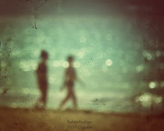 Ocean (Mister Blur) Tags: blur blurfect sea couple ocean océano mar mer playadelcarmen quintanaroo rivieramaya snapseed nikon d7100 goldfrapp grainsoflight granosdeluz