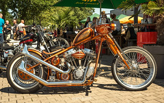 Rumble and Thunder 2018 (Willem Vernooy (FoToWillem)) Tags: rumbleandthunder thunderbike harley harleydavidson roadhouse chopper chppr chopperlife kustom kustomculture kustomkulture kustombike custom customculture customshow custombike custompaint flake flakes metalflake bike hamminkeln duitsland germany bikeshow bikes bikemeet bikeevent rumblers rumblerscc motor motorcycle motornokolo moto motorfiets motociklas motocykel motosiklet motorad motorrad motocicleta motociclo motorcykel mopedo ftw fotowillem willemvernooy