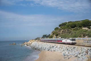Catalán Talgo por Sant Pol de Mar
