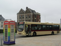 East Yorkshire 341 YX54FWO Carr Lane, Hull on 154 (1280x960) (dearingbuspix) Tags: eyms eastyorkshire yx54fwo 341 hullpride pride goahead gonortheast