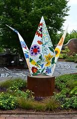 Painted Crane (pjpink) Tags: origami sculpture lewisginterbotanicalgarden lewisginterbotanicalgardens lewisginter gardens northside rva richmond virginia june 2018 summer pjpink 2catswithcameras