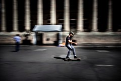 Paris 2018 (elizzzzza67) Tags: 1022mm 2018 appareilphoto canon80d file homme paris skate sport streetphotography